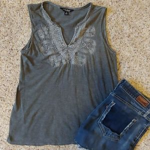 Cute Lucky Brand Top Size Small